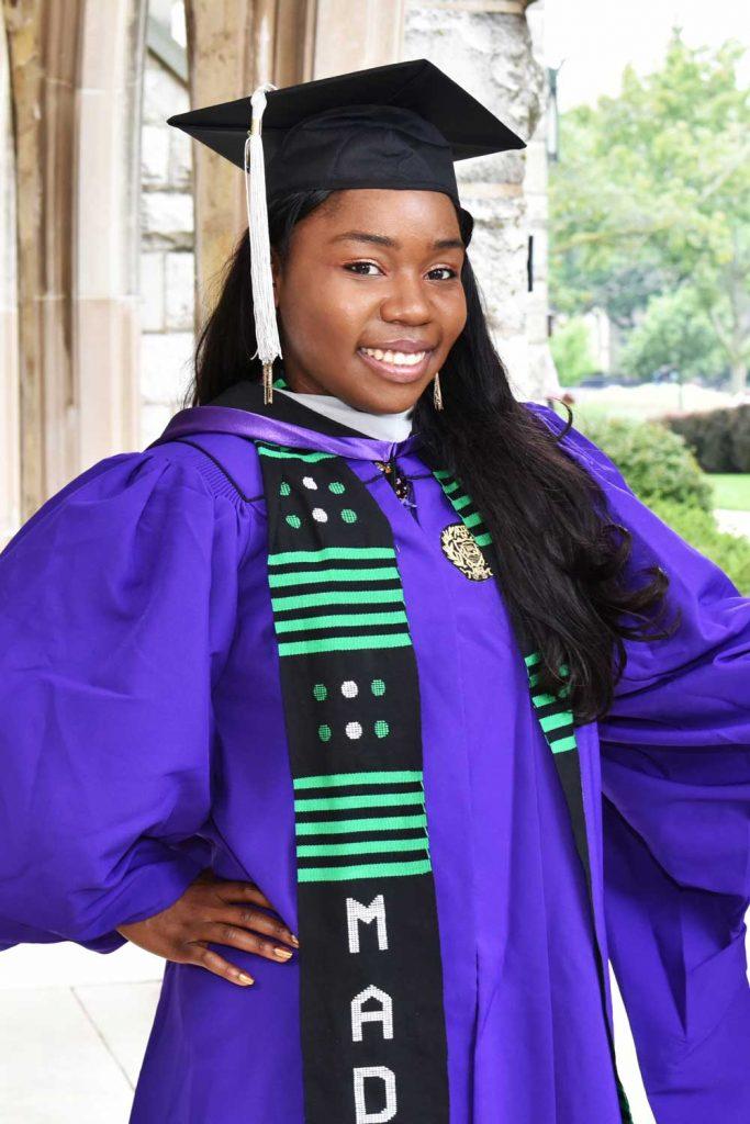 graduation portrait photographer